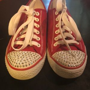 NWOT Women's 8 Red Sparkly Skechers 👍